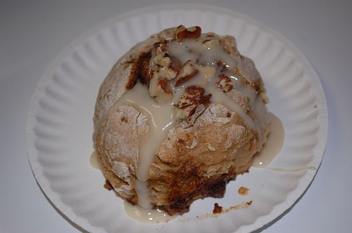 Whole Wheat, Fat-Free Vegan Cinnamon Buns Recipe | Happy Herbivore