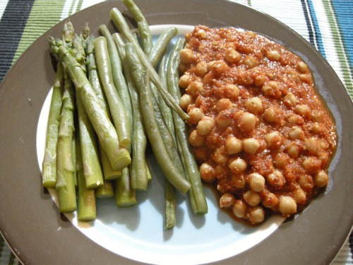 vconchickpeasromesco.JPG
