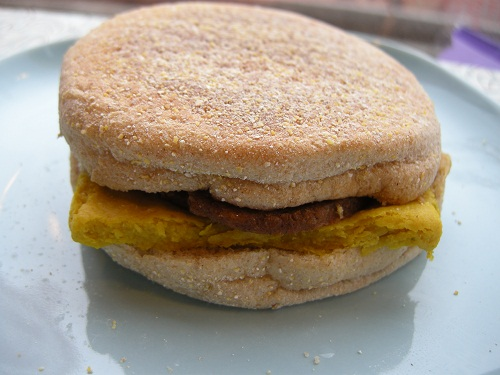 breakfast sandwich - vegan