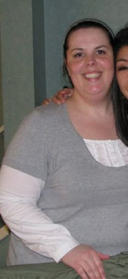 overweight woman in grey shirt